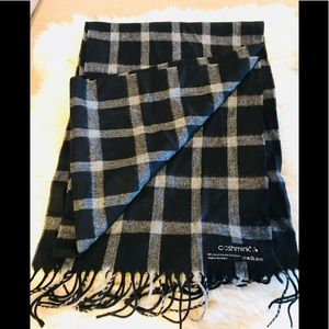 Other - 🧣 Cashmink made in Germany black plaid scarf NWT